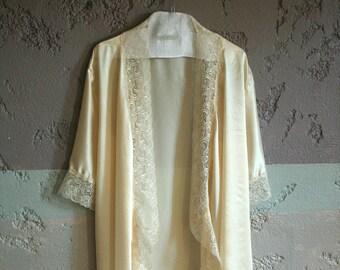 Mûrier robe de soie crème avec luxe garniture, tous les jours de dentelle délicate, Valentin, vêtements de nuit pour mariage,