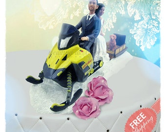 Snowmobile cake toppers Personalised cake topper Unique wedding cake topper Custom cake topper Bride and groom cake toppers + (Prop & 1 Pet)