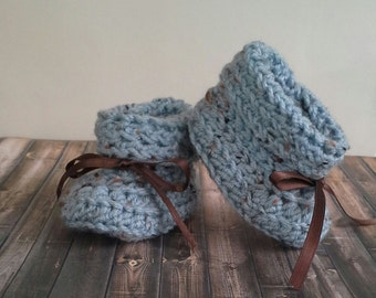 Crochet Baby Booties, 0-12 Months, Soft Warm & Cozy, Baby Shower Gift , Baby Girl Booties,Baby Boy Booties,FREE SHIPPING