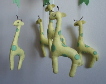 Mobile 5 giraffes in felt handmade for baby