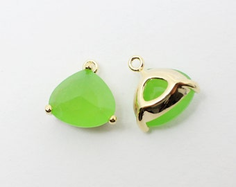 G002004/Peridot/Gold plated over brass/Triangle bezel glass Pendant/13x13mm/2pcs