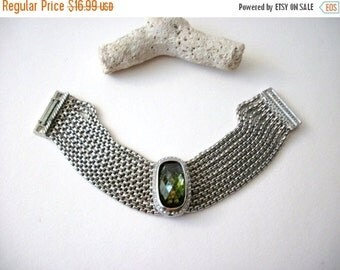 ON SALE Vintage Chunky 1960s Silver Tone Green Top Etched Glass Stone Bracelet 72816