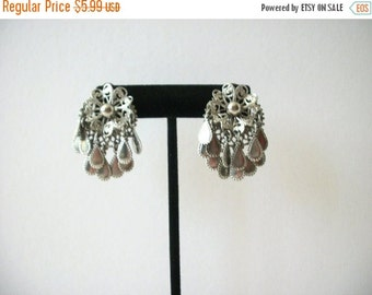 ON SALE Vintage Chunky Silver Tone Filigree Clip On Earrings 91416