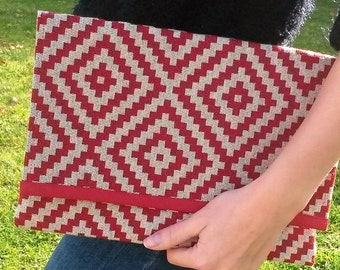 Pouch red and beige