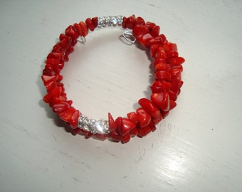Bracelets memory wire steel red coral chips and crystals made of glass in between