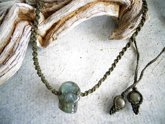 Labradorite Skull Short Unisex Macrame Necklace,Bohemian,Hippie,Gypsy,Tribal,Healing Stone,Power Stone,Festival,ラブラドライト,スカル,マクラメネックレス,男女兼用