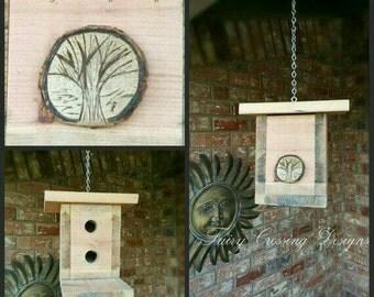 Outdoor Hanging Bird House Garden Accessories Wooden Birdhouse Natural Redwood