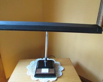 VINTAGE Lampe Lumière Fluorescent / Vintage Fluorescent Lamp / VINTAGE Desk Lamp / Button On-Off