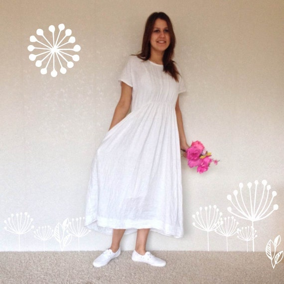 Dresses. Every stylish wardrobe needs a great collection of Italian linen dresses and at Kit and Kaboodal you will find the perfect dress for any occasion.