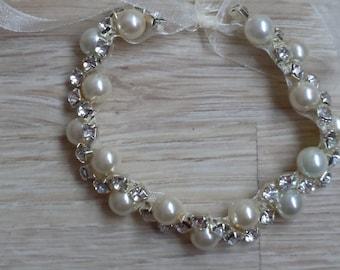 5 pearl bridesmaid  bracelet gift , bracelet, wedding bricalets, bridal peal and rhinestones bracelets