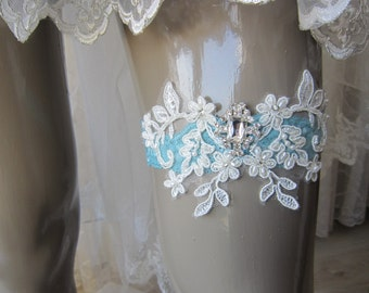 green  ivory lace garters, rhinestones button, wedding garter, bridal garter, accessories