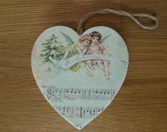 Wooden heart - Valentines angels cherubs