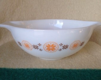 Town and Country -Cinderella Bowl - 4 qt