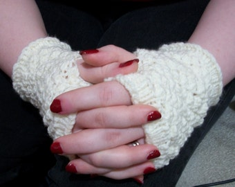 Hand-Knitted Clove in Cream Fingerless Mitts