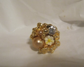 Vintage gold tone white flower
