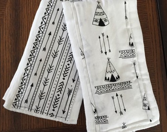 Black and White Teepees and Arrow burp cloth