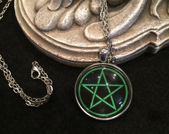 Pentacle Black and Green Bronze or Silver Pendant Necklace Pentagram Wiccan Pagan Gothic 5 Point Star