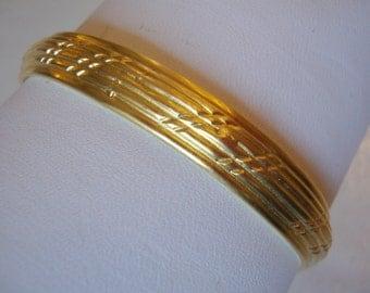 Vintage Gold Tone Textured Bangle Bracelet.