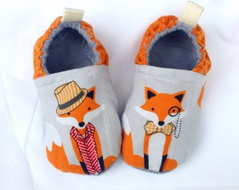 Fox shoes, baby moccs, toddler shoes, newborn shoes, baby booties, soft sole, stay on booties, baby gift, fox booties, dapper fox