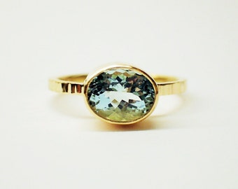 Gold aquamarine ring