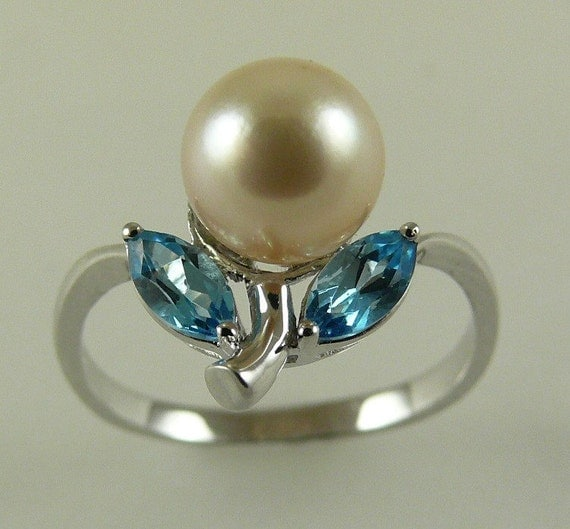 Akoya 7.6mm White Pearl Ring with Blue Topaz 0.58ct 14k White Gold Size 7 1/4