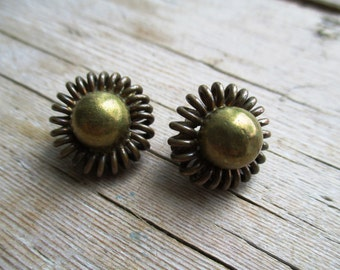 VINTAGE Round turned brass clip earrings with bulb in the middle.