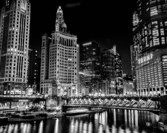 Chicago River, Downtown Chicago, Illinois - The Windy City - Black and White - Long Exposure on gloss print or canvas