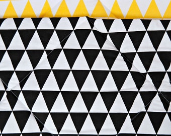 Quilted mat Teepee - Contrast Triangle