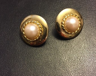 Vintage gold tone studs earrings with faux pearl details