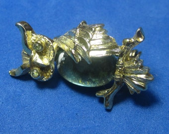 Amazing Vintage Costume Brooch Owl with Gold Tone an Jewel