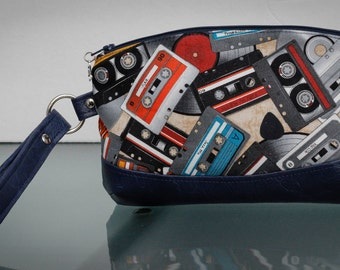 Retro Cassette Clutch