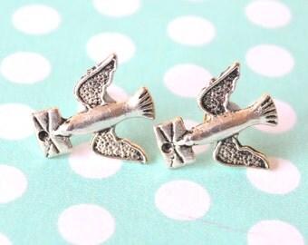 Cute Messenger Bird Tibetan Silver Tone Stud Earrings Vintage Style
