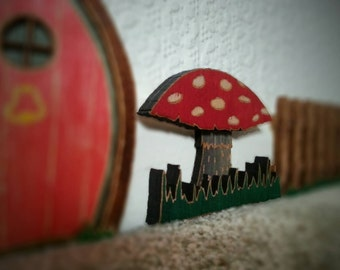 Toadstool decoration / fairy door accessory