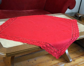 Tablecloth. Red vintage tablecloth with red crocheted edges. Square tablecloth. 92 cm x 92 cm Natural linen tablecloth. Natural and Rustic