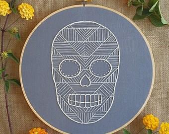 Geometric skull embroidery hoop art/sugar skull embroidery/calavera embroidery/whitework embroidery/Halloween wall art/embroidered skull