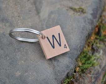 Scrabble letter dog tag - W