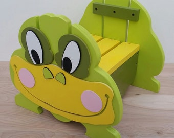 Chubby Frog Step Stool, Wood Step Stool for Kids, Personalized Stool, Toddlers Step Stool, Frog Stool, Green Step Stool, Unique Kids Stool