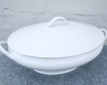 Soup/vegetables white china bowl with its lid Royal Limoges France