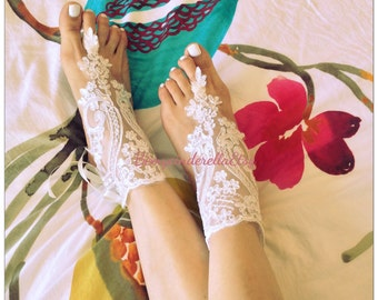 Alencon lace barefoot sandals, off white  bridal lace sandals, barefoot sandals, lace anklets, bellydance, bridesmaid gift
