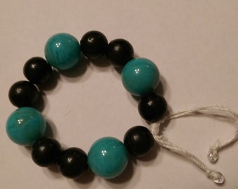 Black and teal beaded bracelet