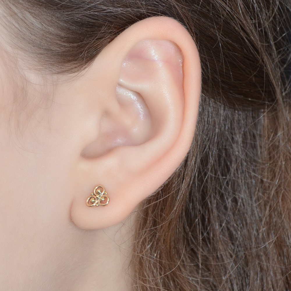 Gold TRAGUS STUD nose stud 20g cartilage piercing nose ring