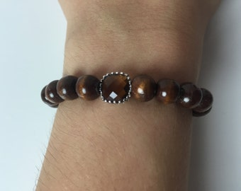 Bracelet with Brown Beads and a Brown Stone