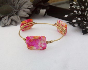Pink Splash Square Glass Bead Gold toned Wire Wrapped Bangle Bracelet