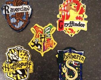 Harry potter embroidered patch motif hogwarts gryffindor slytherin hufflepuff ravenclaw