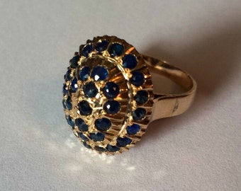 18K Yellow Gold Sweetheart Ring With Blue Sapphire, Size 6