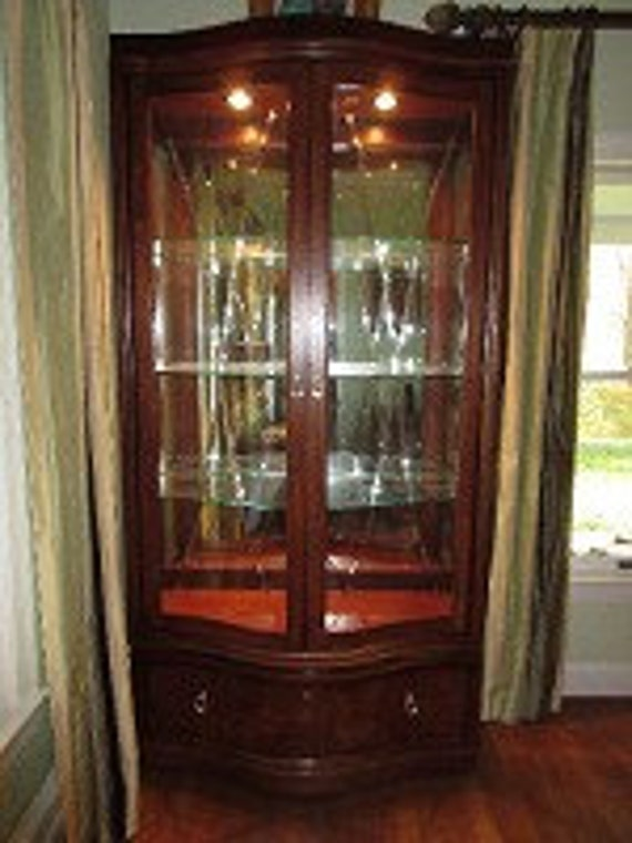 thomasville lighted curio cabinet | bar cabinet