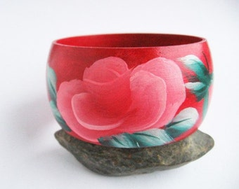Hand-painted wood bracelet FLOWERS beautiful green and red Ecological