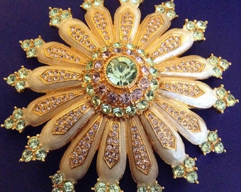 Joan Rivers flower brooch
