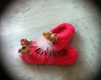 Slippers girl, funny birds nest