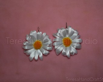 Satin Camomile Earrings